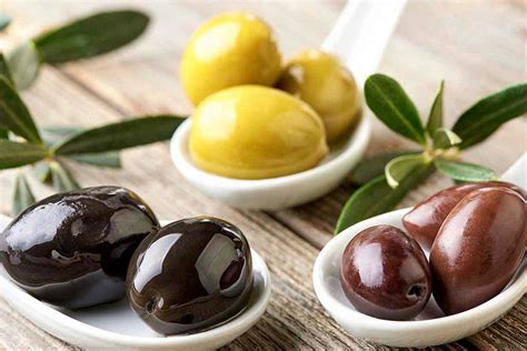 types of 26 types of olives a guide to the healthy fruit