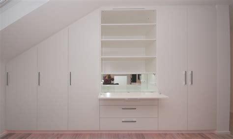 schrank mit regalböden wohnzimmerschrank in dachschr 228 ge markus k 246 hres ihre