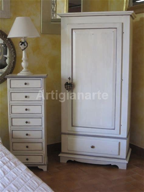 armadi bassi per camerette armadio dritto un porta artigianarte