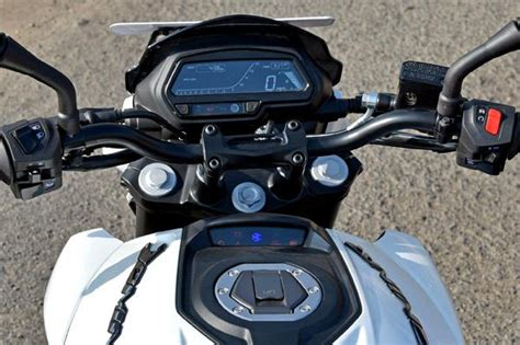 Bajaj Dominar 400 Review ? Price ? Specifications