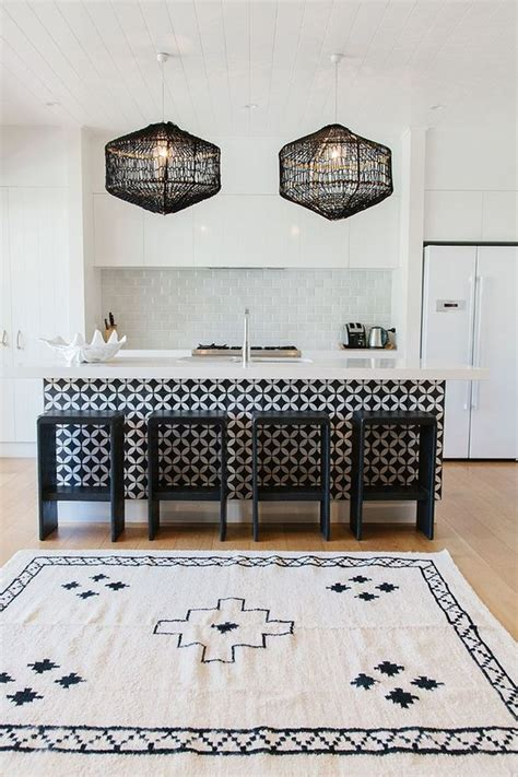 Black And White Kitchen Rug 34 Timelessly Black And White Kitchens Digsdigs