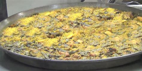 come si cucina la paella di pesce come si cucina la paella valenciana sale pepe