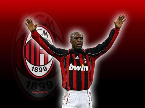 Bola Sepak Pro Team Striker footballer profile profil pemain sepak bola internasional