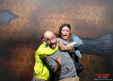 funny haunted house pictures 20 priceless haunted house reactions pleated jeans