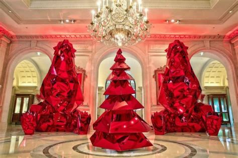 vogue mos beautiful house at christmas the most beautiful trees in hotels luxury topics luxury portal fashion style
