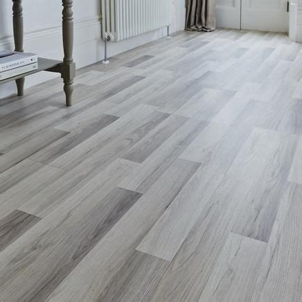 Professional Light Grey Oak laminate flooring   Howdens