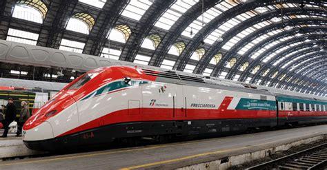 carrozza frecciarossa treni il frecciarossa debutta sulla venezia il