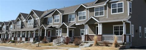row housing definition foreclosed townhomes learn how to find townhouse