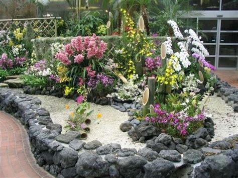 decorare il giardino decorare il giardino con i sassi foto design mag