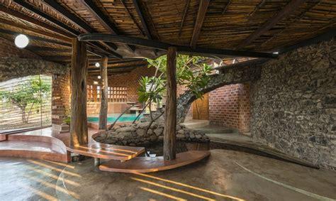 grand designs brick arch house brick house par istudio architecture wada inde