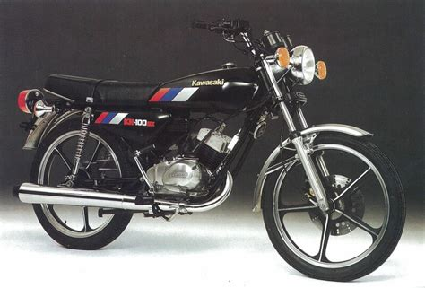 Rotari Kawasaki G7 Ori wow this sounds 2 stroke triples motorcycles