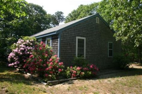 pet friendly cottages in cape cod cape cod bayside cottage pet policy