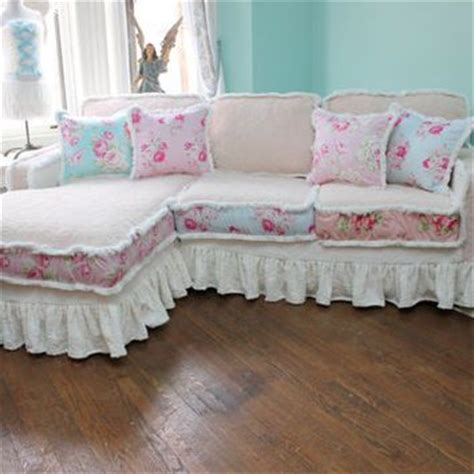 cottage chic sofa 25 best ideas about shabby chic sofa on pinterest