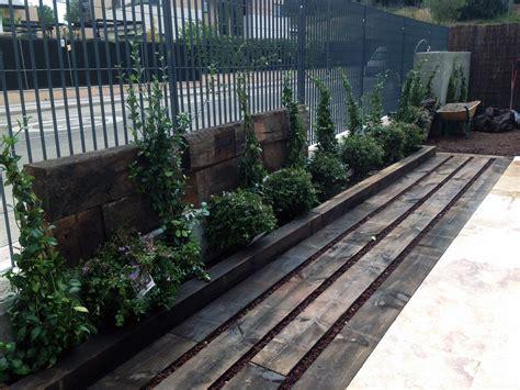 traviesas de tren jardines con traviesas de tren excellent escalera
