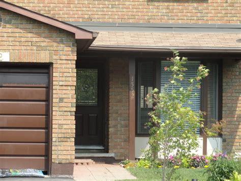 Garage Door Yellow Light What Color To Paint The Front Door And Surrounding Brick