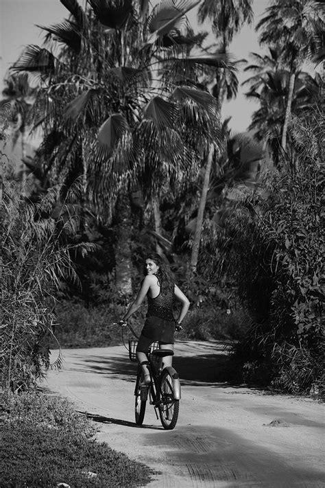 Altyn Simpson Alvaro Beamud Cortes Beach Editorial Vogue Spain