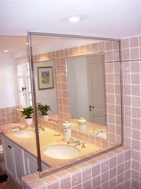 encadrement baignoire pare baignoire miroir maison design wiblia