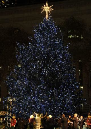 christmas trees around the world slideshow trees around the world slide 15 ny daily news