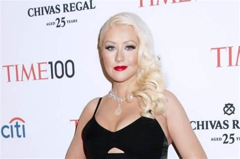 Aguilera Wants You To Be Inspired by Aguilera To Lose More Weight