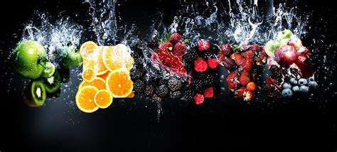 Picture » Fresh healthy fruits splash