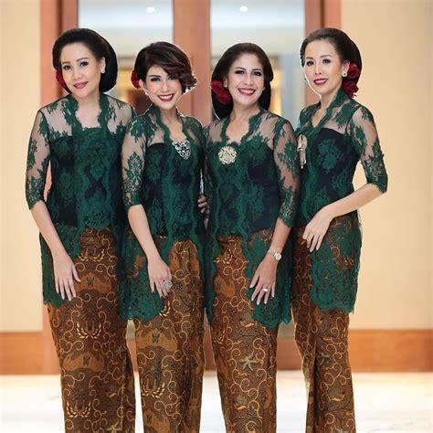 Kaos Black Cat Warna Hitam jilbab untuk kebaya hijau tosca padu padan pakaian dan