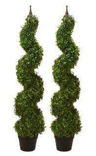 Artificial Boxwood Garland 2 Artificial 47 Boxwood Spiral Topiary In Outdoor Tree