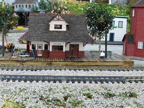 garden railway modeled  canadas kettle valley railway