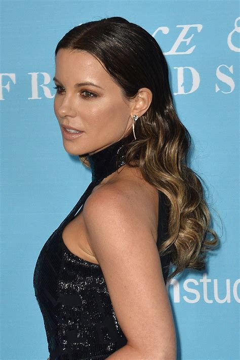 kate beckinsale kate beckinsale love and friendship premiere in los