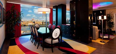 mickey mouse penthouse suite at disneyland thechive mickey suite disneyland disneyland hotel signature