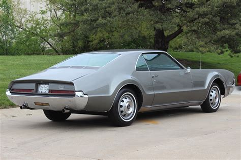 service manual removing a transmission from a 1966 oldsmobile toronado removing a