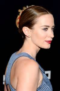 For hollywood a listers like emily blunt a strong beauty game is