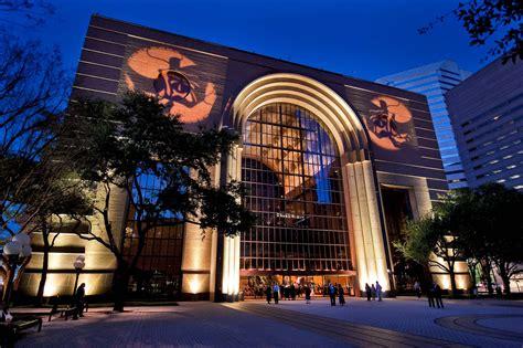 crisis  houston performing arts  wortham theater