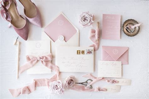 Beautiful Wedding Invitations by 31 Beautiful Wedding Invitations For 2018 Couples