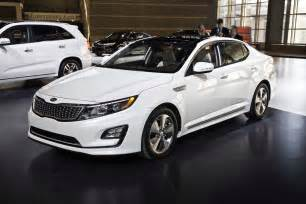 2014 Kia Optima Hybrid 2014 Kia Optima Hybrid Front Three Quarters 02 Photo 37