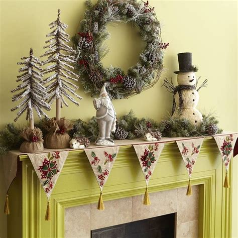 christmas poinsettia fireplace mantel scarf 1000 images about christmas runners on