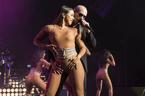 hot hot hot pitbull 20 photos from pitbull and prince royce dte that are hot