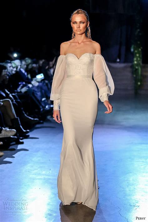 Oscar Predictions Trends From The Couture Catwalks 193 best gowns catwalk images on fashion