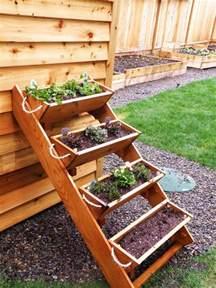 How To Make A Vertical Pallet Garden - vertical wooden box planter