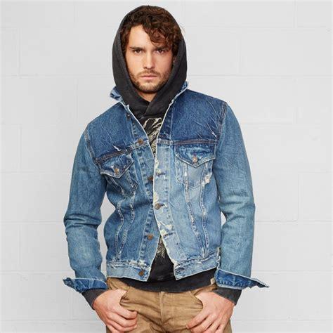 Jaket Denim Model Longgar by How To Wear The S Denim Jacket