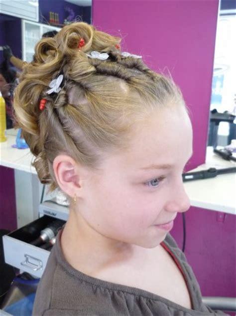 le chignon enfant chignon enfant stelakris coiffure