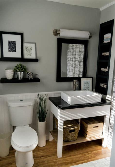 black white and silver bathroom ideas so k 246 nnen sie ein gem 252 tliches g 228 ste wc gestalten