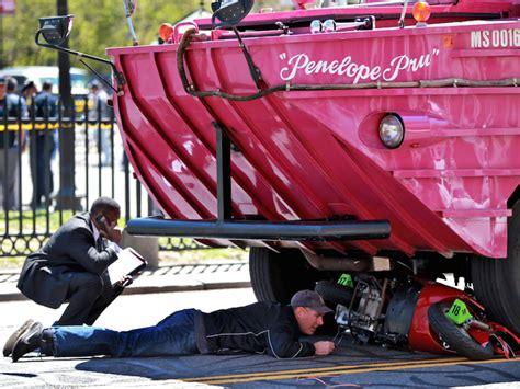 duck boat tours denver duck tour boat hits kills woman in boston 7news denver