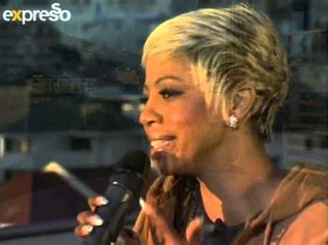 kelly khumalo s recent hairstyle kelly khumalo performs quot ngiyabuza quot 21 5 2013 youtube