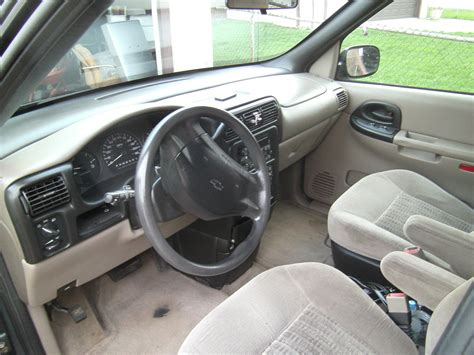 Chevy Venture Interior by 2005 Chevrolet Venture Pictures Cargurus