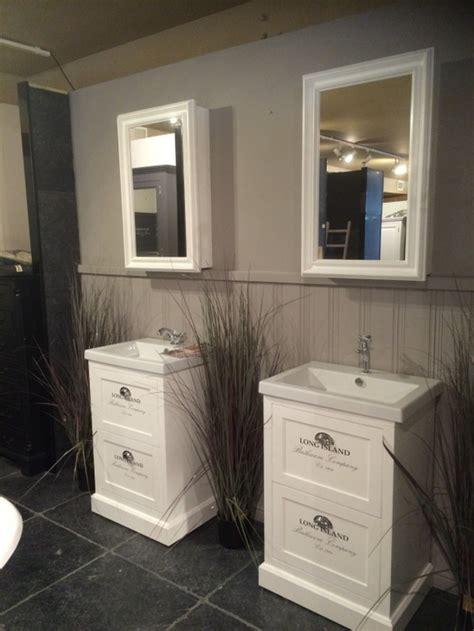 spiegelschrank landhausstil waschtisch wei 223 mit einem spiegelschrank im landhausstil