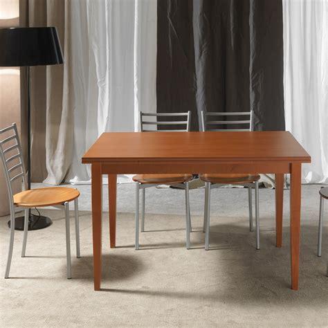 tavoli per cucina in legno tavolo classico in legno ciliegio allungabile