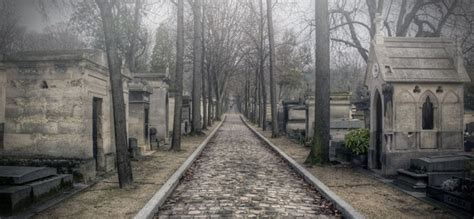 pere la chaise pere lachaise cemetery paris travel featured