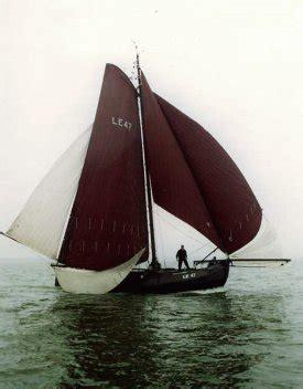 scheepsonderdelen te koop nieuwbouw stalen casco lemsteraak in visserman en roef