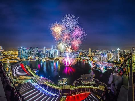 new year singapore fireworks 2016 new year s ring in 2016 with the best