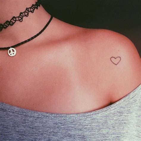small simple heart tattoos best 25 small tattoos ideas on small